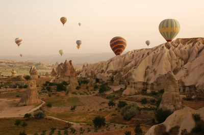 Balloons in Cappadocia (Mr Hicks46)  CC BY-SA