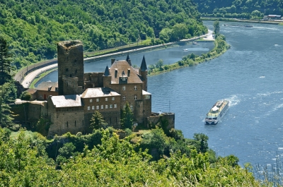 European river cruise (Roderick Eime)  CC BY