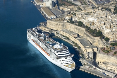 MSC Splendida in Malta (Roderick Eime)  CC BY