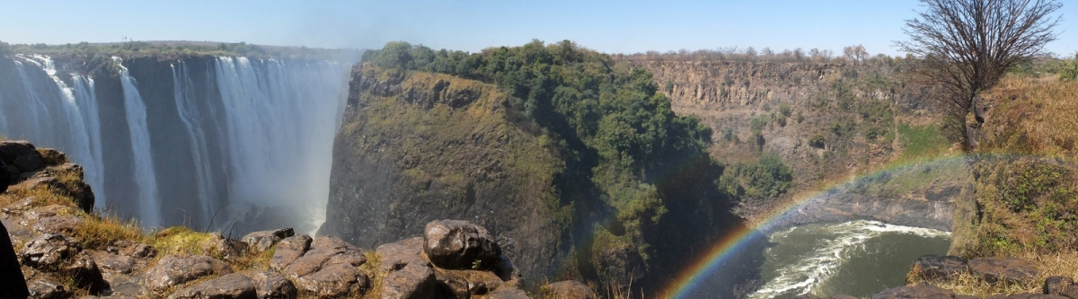 Panorama: Victoria Falls and Rainbow (Tee La Rosa)  CC BY-ND
