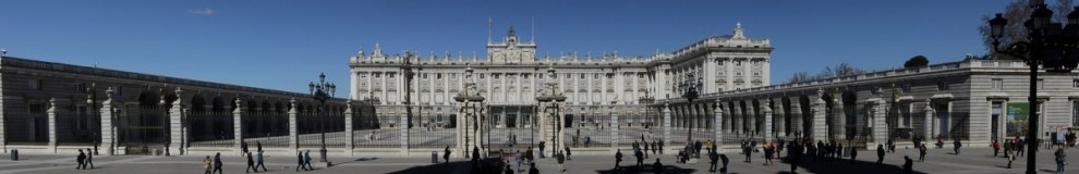 Panoramic view of the Palacio Real de Madrid (Björn S...)  [flickr.com]  CC BY-SA  Infos zur Lizenz unter 'Bildquellennachweis'