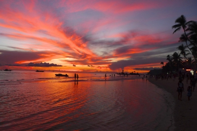 Sunset on Boracay (Chris Nener)  [flickr.com]  CC BY-ND  Infos zur Lizenz unter 'Bildquellennachweis'