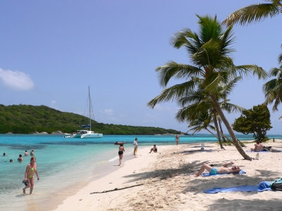 The Beach at Tobago Cays (Lee Coursey)  [flickr.com]  CC BY  Infos zur Lizenz unter 'Bildquellennachweis'
