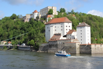 Uniworld River Cruises in Passau Germany (Gary Bembridge)  [flickr.com]  CC BY  Infos zur Lizenz unter 'Bildquellennachweis'