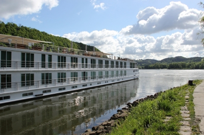 Uniworld River Cruises River Beatrice in Passau Germany (Gary Bembridge)  [flickr.com]  CC BY  Infos zur Lizenz unter 'Bildquellennachweis'