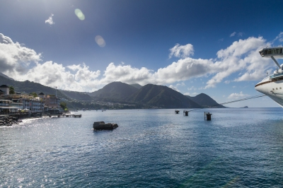 View from  the dock of Emerald Princess in Dominica (Chris Favero)  CC BY-SA